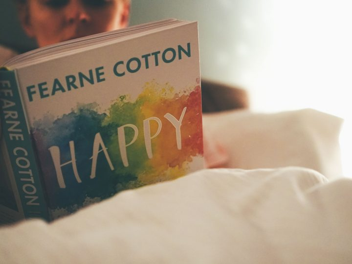 Book Review: Fearne Cotton, Happy